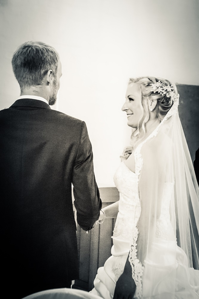real-bride-echte-Braut-Hamburg-Brautkleid-elegant-boho-vintage-Brautmode-1