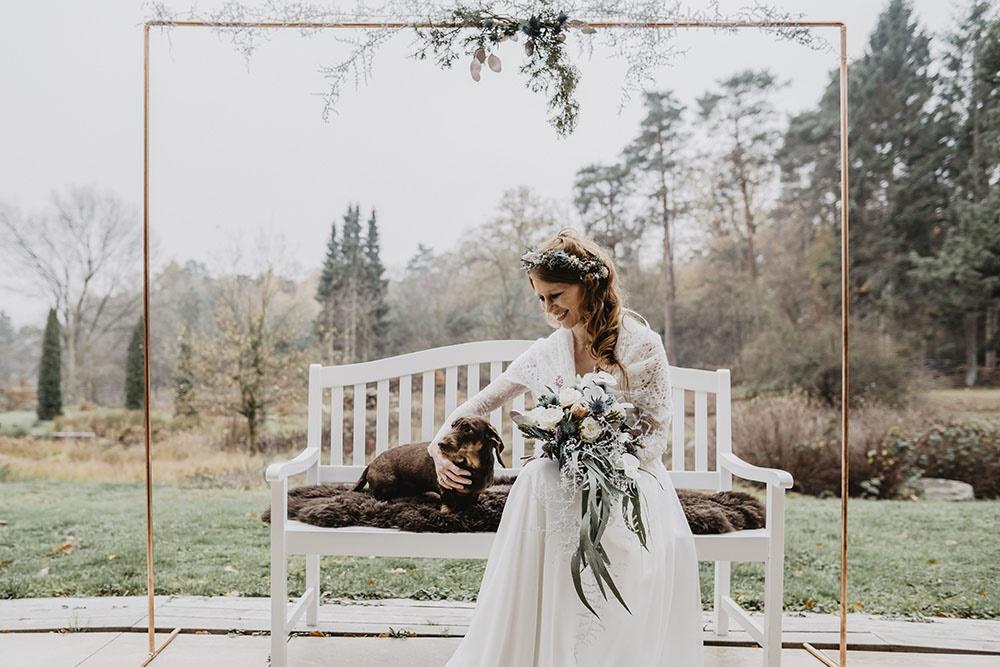 winter-wedding-kupfer-marmor-boho-brautkleider-vintage-brautmode-hamburg-querformat